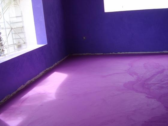 Aplicación de microcemento en suelos y estuco en paredes