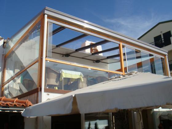 cerramiento de terraza restaurante techo movil y cortina de cristal - Acristalar Terraza