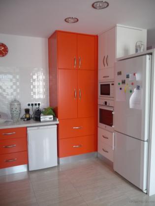 Vista parcial de una cocina