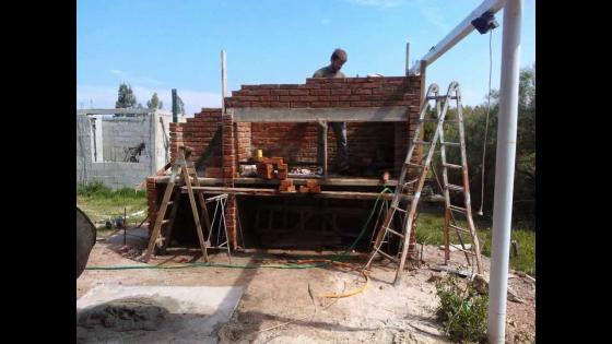 CONSTRUCCION DE BARBACOA