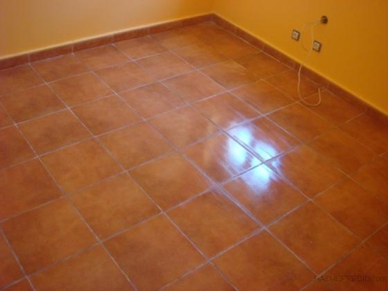 Rehabilitacion en Navas de Oro_Pajar a vivienda.Foto suelos gres 2012