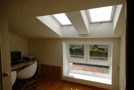 Suministro e instalación de Velux y ventana de PVC de Kommerling