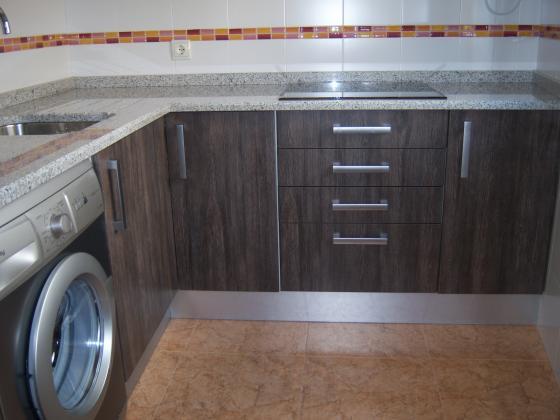 Muebles de cocina eurolar 28018 madrid madrid for Encimera blanco cristal