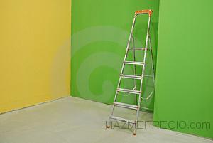 escala por las paredes pintadas thumb27178841