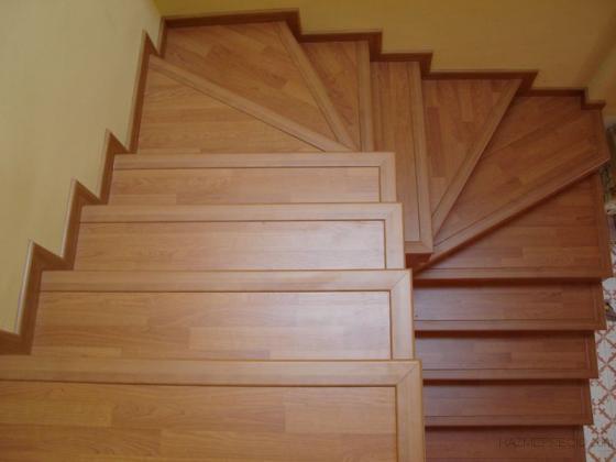 Serviparket 08340 vilassar de mar barcelona - Como forrar una escalera de madera ...