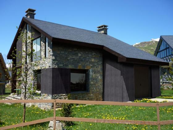 Construcciones aloc 50630 alag n zaragoza for Tejados galicia