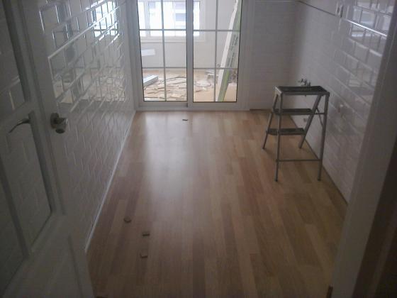 piso instalado con tarima laminada disfloor-top roble 3 lamas (Malaga)