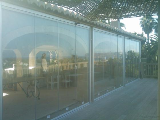 cerramiento con cortina de vidrio ( sin perfileria)