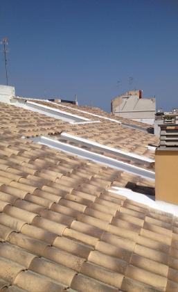 Rehabilitación total de 500m2 de tejado en c/ costa y borras, en valencia