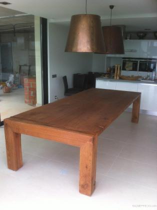 Mesa maciza en madera de roble Borgonya de medidas 310x130x75