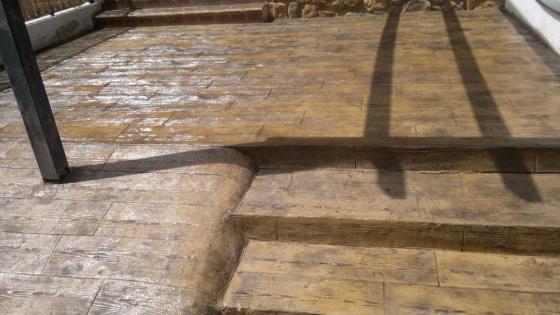 hormigon impreso efecto madera