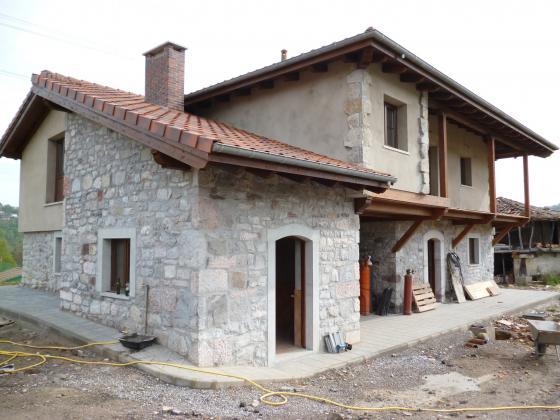Ampliación y rehabilitación de casa en Soto del Barco.