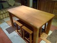mesa y taburetes a medida