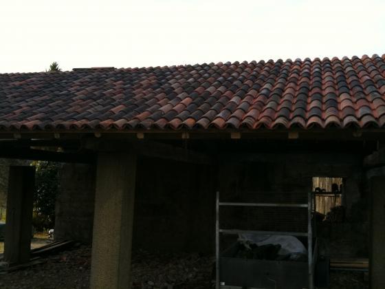 tejado con estructura de madera