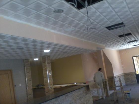 local comercial con techo dezmontable y aislamiento acustico