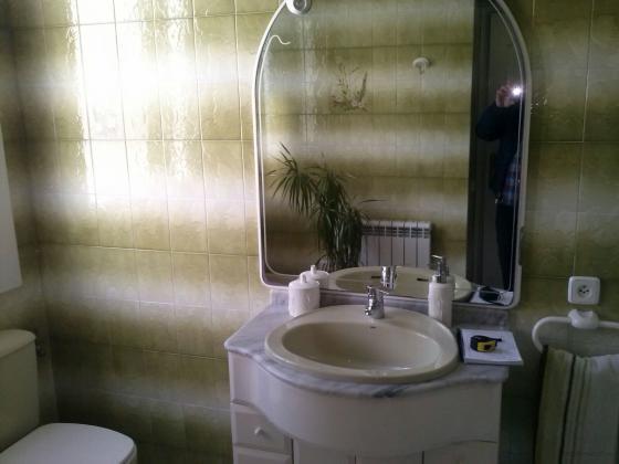 Nada puede explicar mejor una reforma de baño que la comparación de imágenes de antes y después de la reforma.