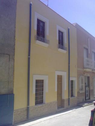 Reforma en casa de campo tabernas almer a - Zocalos de fachadas ...