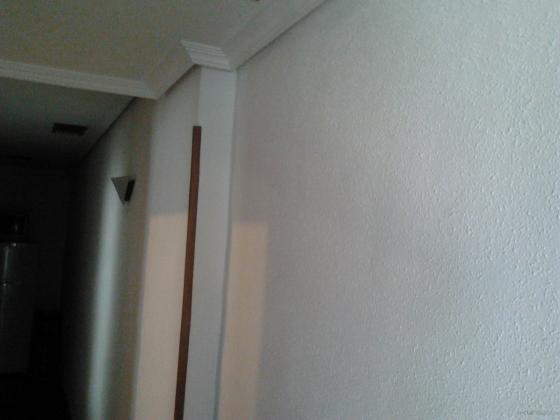 Pintura piso posterior al areglo de humedades en las for Esquineros para paredes