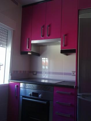 Amueblamiento cocina formica alto brillo fucsia remates y - Amueblamiento de cocinas ...