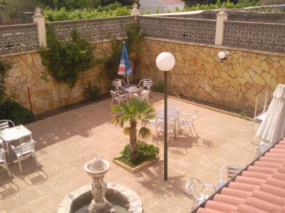Reforma restaurante utebo zaragoza for Piedra decorativa para jardin
