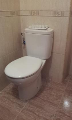 detalle de alicatado y solado de baño