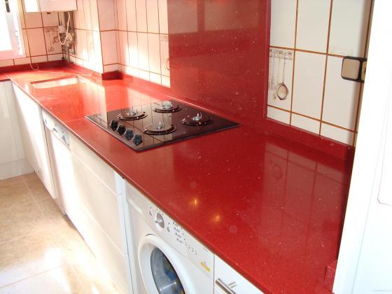 Bancada de cocina en silestone rojo estelar valencia Cocina 3 metros lineales