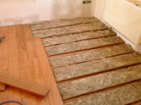 Reparaci n de suelos en vivienda langreo asturias - Colocacion de parquet de madera ...