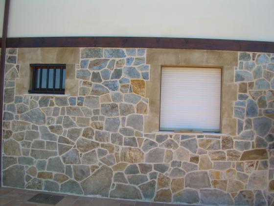 Enlosado de piedra san felices de buelna cantabria - Revestimientos de fachadas precios ...