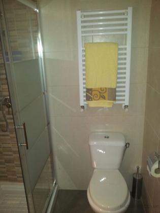 picado de azulejos y baldosas instalacin elctrica fontanera completa alicatado de paredes y suelo colocacin de sanitarios plato de ducha y mampara