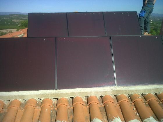 instalacion placas solares para autoconsumo electrico en vivienda unifamiliar.