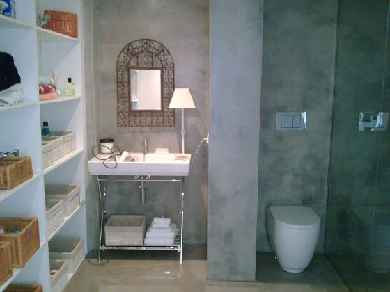 Cuartos De Baño En Microcemento:microcemento en color gris cemento en paredes y suelo