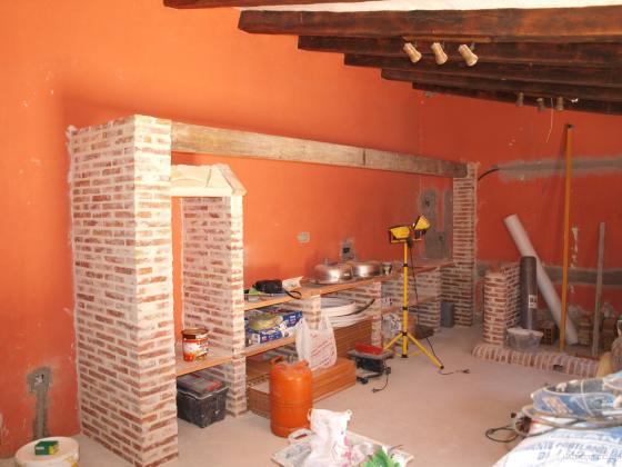 Reforma de una cocina campera c camino de la guija for Barras de cocina rusticas