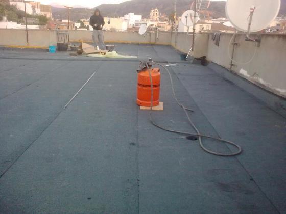 Impermeabilizacion de terraza comunitaria en edificio de - Tela asfaltica de pizarra ...