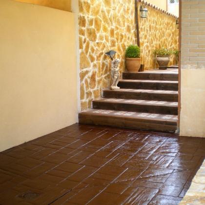 Construccion de muro chapado con piedra de musgo y - Plaquetas suelo exterior ...