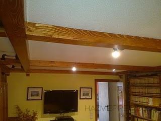 Vigas de madera en techo