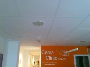 La sala de recepcion de la clinica CEMA NATUR
