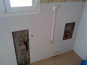 Cambio de instalaciones desagüe y tomas de agua en cocina, Y ALICATADO POSTERIOR