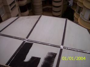 Aplicación de pintura impermeabilizante.