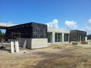 Suministro y colocacion de perfileria para colocacion de piedra en fachada ventilada.
