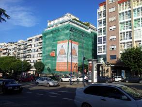 Colocacion de andamios en fachada.