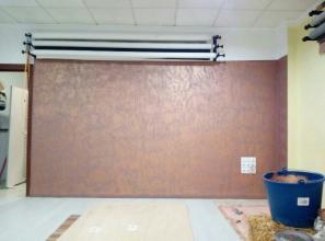 restauracion de pared con plaste,imprimado y cambio de color,pintado de fondo marron con efecto oxido que varia de color segun la luz que se utilize