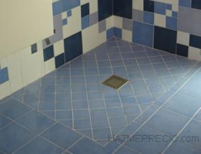 colocacion de plato ducha ceramico a suelo decorado con ceramicos