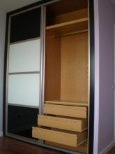 Instalación y venta de armario a medida y de diseño , interior a gusto de nuestro cliente ,