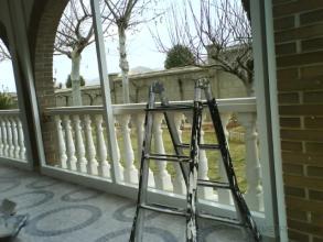 colocacion de perfileria de aluminio de 60 por 40 en toda la periferia para colocar carpinteria ya que su colocacion sera por el interior.