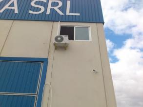 instalacion de split marca samsung inverter con bomba de calor realizado en oficina de trabajo