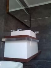 picado de todo el baño desescombro y realizado de trabajo en la cañada ,valencia. con azulejos de calidad y con su respectivo mobiliario de calidad