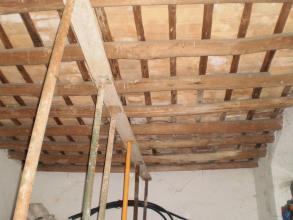 Seguridad en la construcción, con medidas provisionales que eviten daños personales durante la primera fase de la demolición