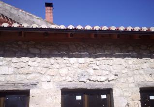 tejado nuevo,ventanas aluminio y rejuntado de fachada