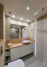 Instalación folio radiante en suelos de baño con termostato via wifi y antivaho en espejo baño.