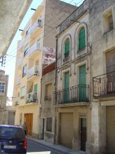 Demolición de vivienda antigua conservando la fachada principal